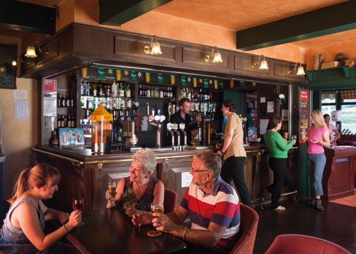 Boathouse Pub Bar