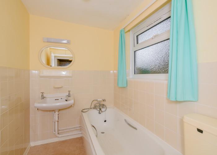 Clipper Bronze bathroom