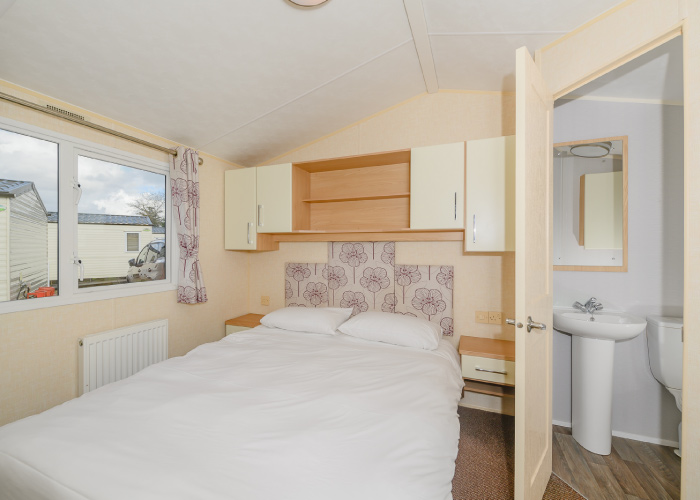 Cranmere Gold double bedroom