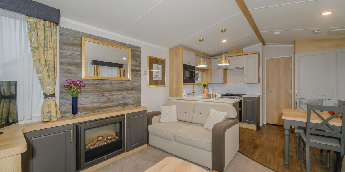 Discovery Gold Plus interior aspect