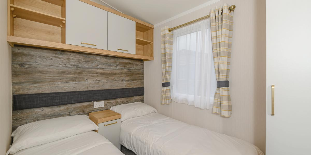 Discovery Gold Plus twin bedroom