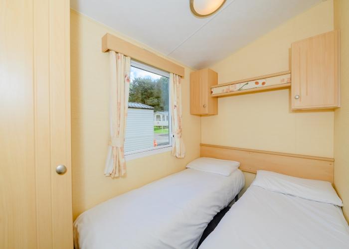 Shaldon Bronze twin bedroom