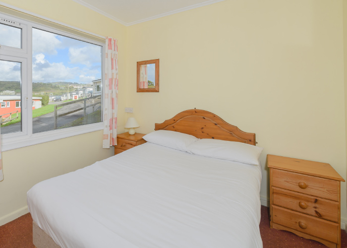 Topper Bronze double bedroom