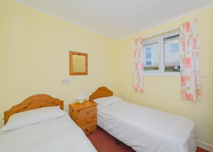 Topper Bronze twin bedroom