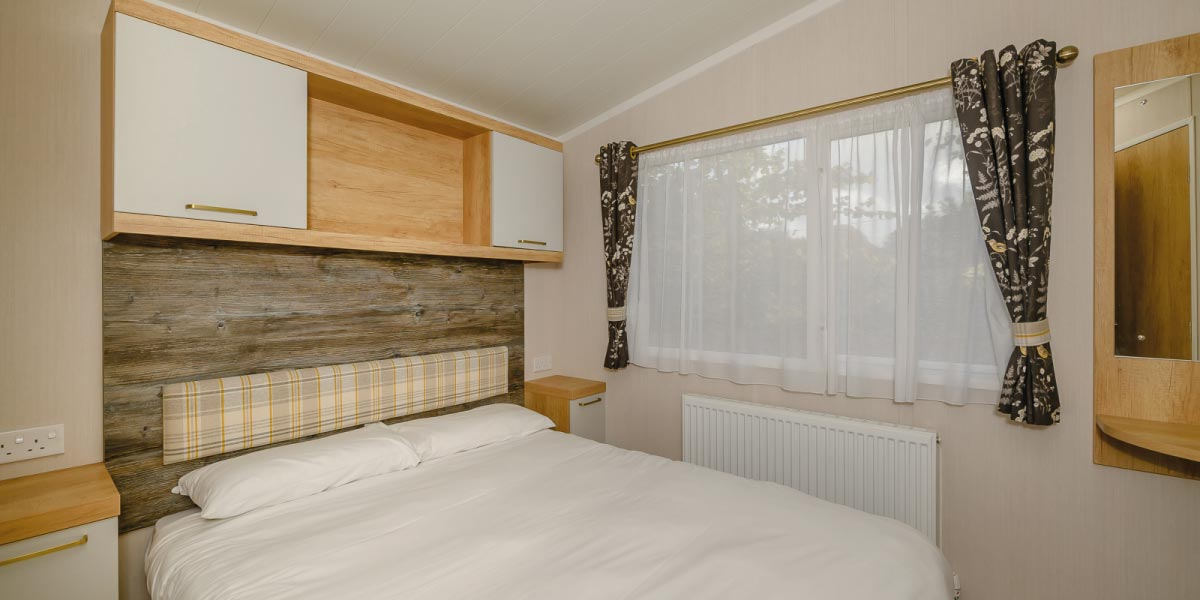 Waverley Gold Plus master bedroom